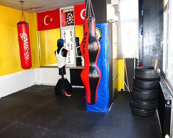 Özel Maltepe Gençlik Spor Kulübü Derneği